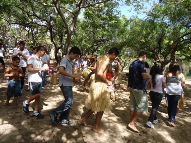 O ritual se alargou e contou com participantes alunos, professores e pibidianos.